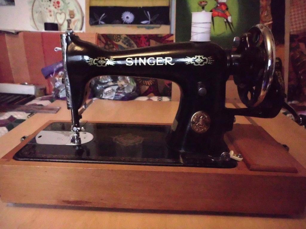 Singer sewing Machine, 1945
